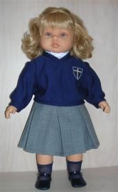 Muñeca Leonor va la cole