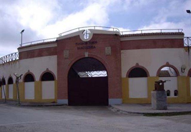 plaza-toros-macotera