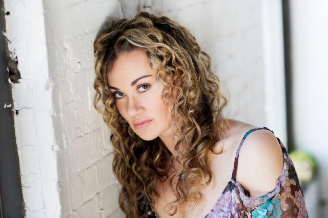 Dana Fuchs como Sadie