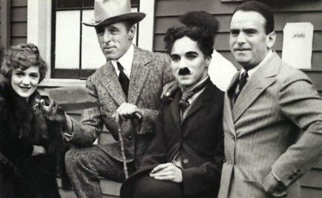 Charles Chaplin, Mary Pickford, D.W. Griffith y Douglas Fairbanks