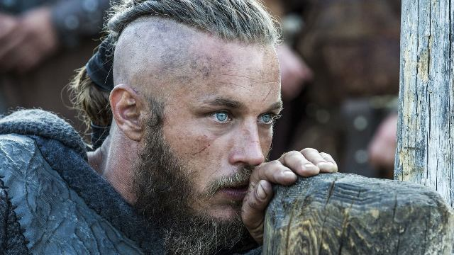 eyes-Travis-Fimmel-as-Ragnar-Lothbrok-7