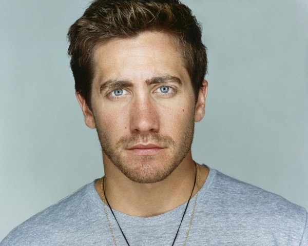 Edward Sheffield , también interpretado por Jake Gyllenhaal.