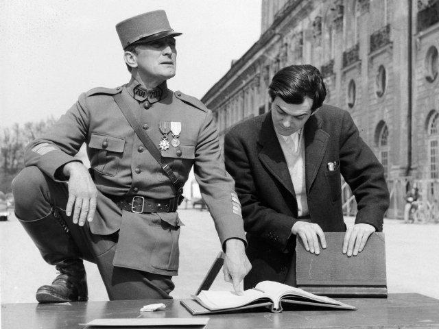 Stanley Kubrick le presento el guión a  Kirk Douglas