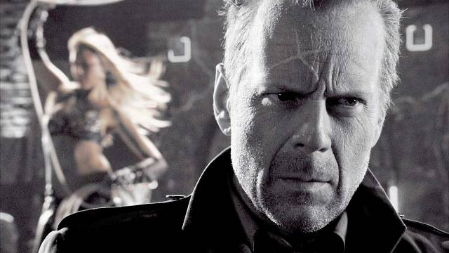 Bruce Willis como John Hartigan