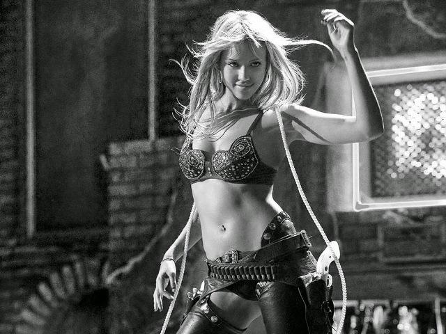Jessica Alba como Nancy Callahan