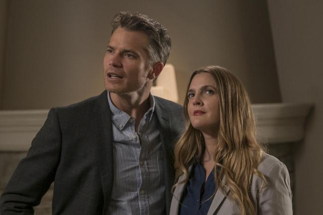 santa_clarita_diet_tv_series-487267209-large