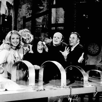 Teri-Garr-Gene-Wilder-Marty-Feldman-Peter-Boyle-and-Mel-Brooks-on-the-set-of-Young-Frankenstein - copia