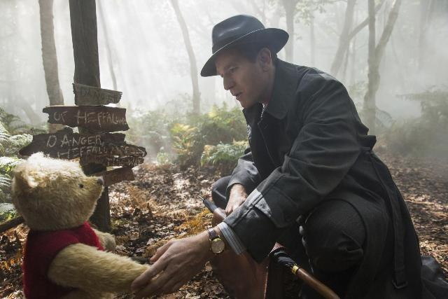 christopher_robin-501196222-large