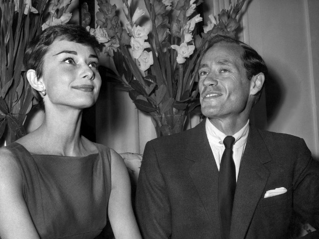 (FILES) A file photo taken on September 30, 1954 shows US actress Audrey Hepburn posing with her husband actor and filmmaker Mel Ferrer in Rome. Ferrer, who was once married to Hepburn, has died in California at age 90, a family spokesman said on June 3, 2008. AFP PHOTO