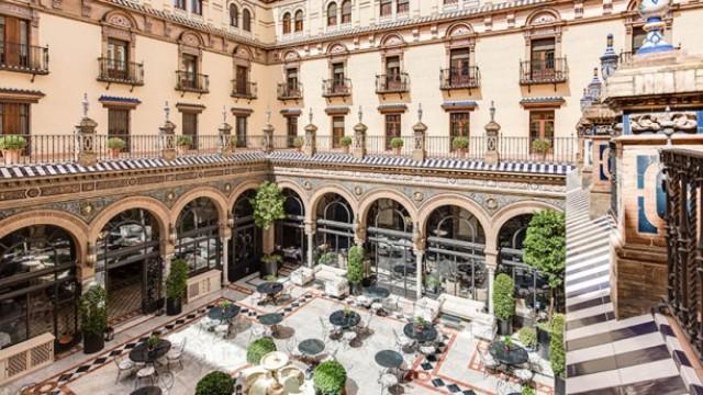 san-fernando-hotel-alfonso-xiii-patio-central-4cf7b