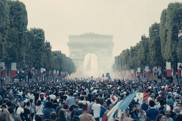 les_miserables-188958628-large